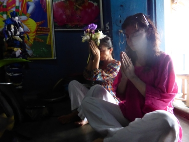 Blessing ceremony-Dambulla, Sri Lanka ©Rita Minassian