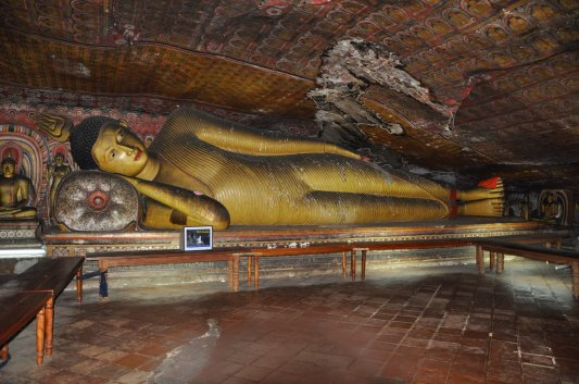 Initiatory travel in Dambulla, sleeping Buddha-Sri Lanka ©Rita Minassian